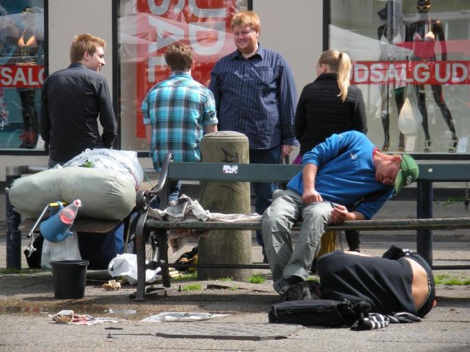 homeless-1416564_1920